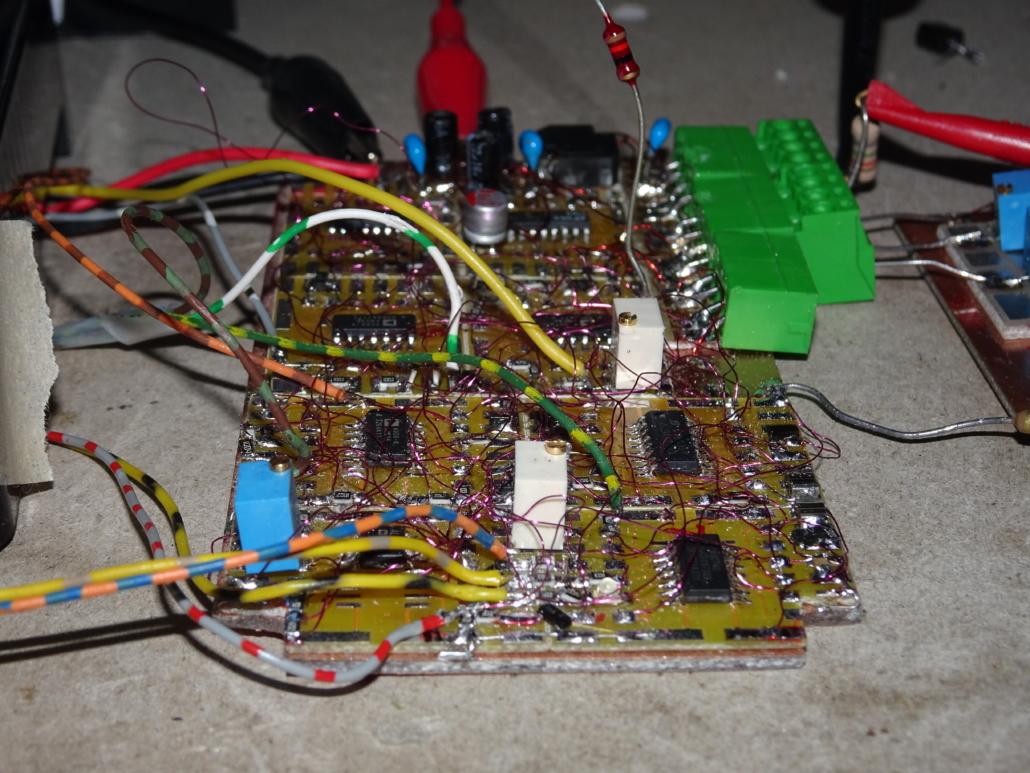 TQP main electronic close up 2